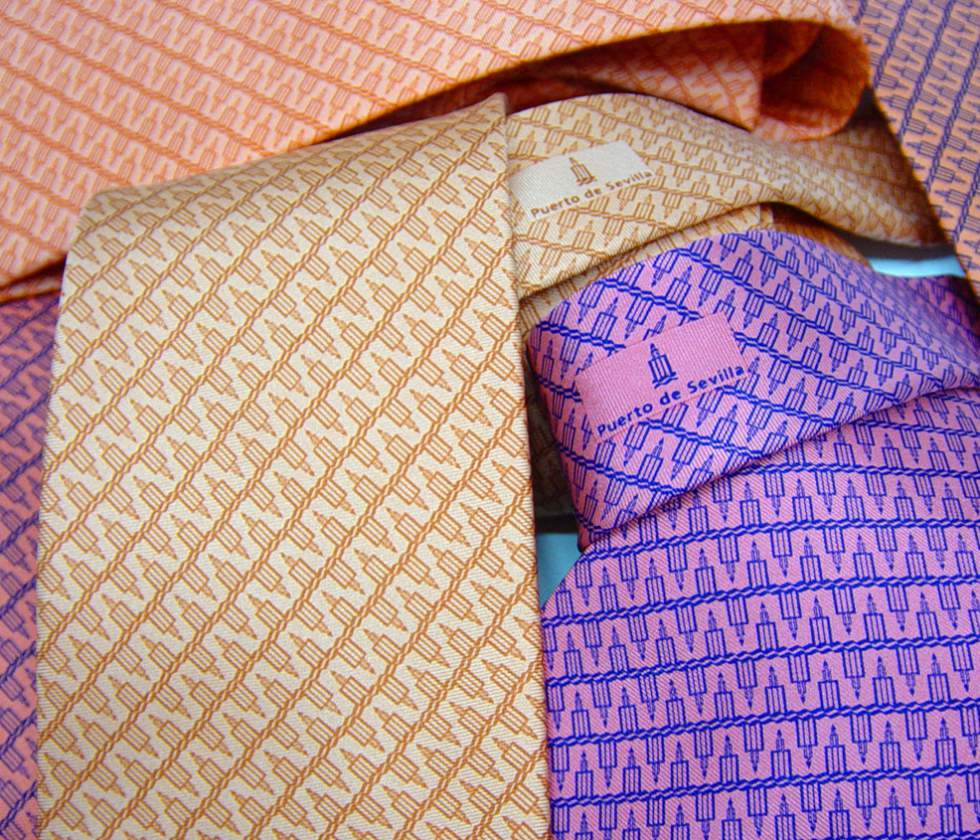Corbatas personalizadas para empresas seda made in italy for Disenos de corbatas